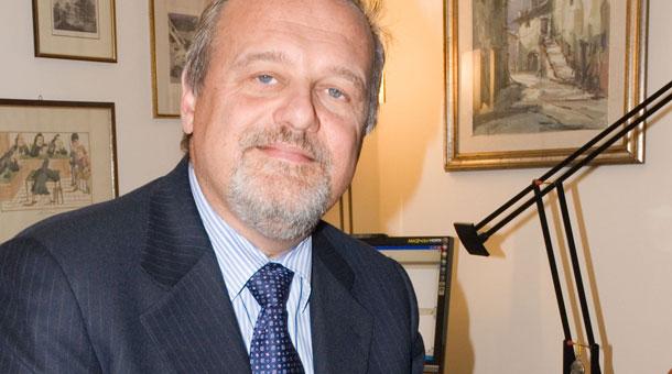 """""""Il Concorso"""": attualità nel romanzo del prof. Bruno Capponi"""