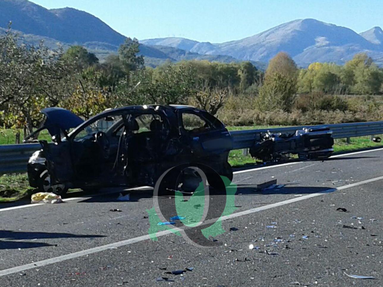 Auto contro moto sulla SS 17, un ferito in gravi condizioni (FOTO)