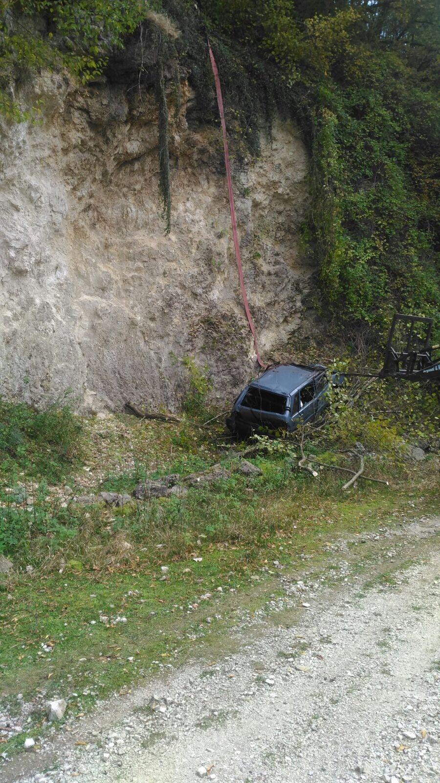 Roccamandolfi: auto nel burrone, donna grave in ospedale