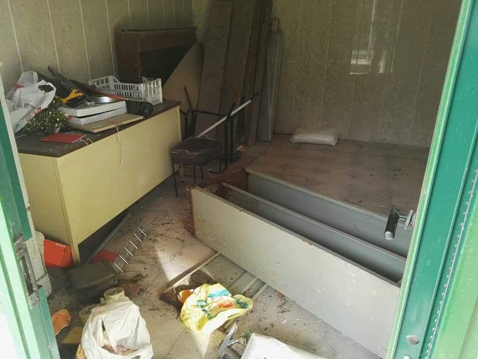 Larino. Vandali devastano stabile della stazione ferroviaria (Foto)