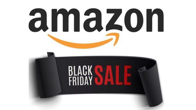 Grande attesa per il 'Black Friday', il giorno dedicato alle spese pazze online e non