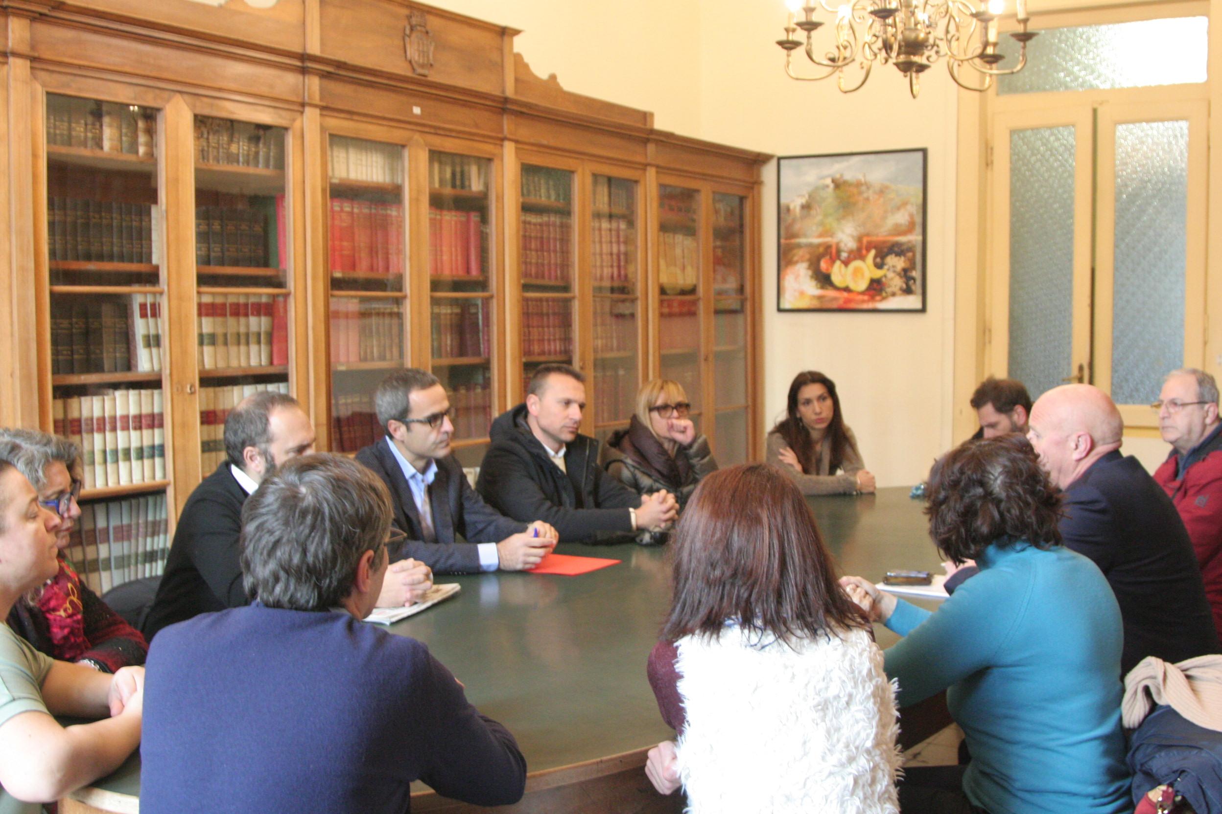Sulla scuola Montini il sindaco Battista rassicura il Comitato genitori: nuovo incontro il 9 dicembre