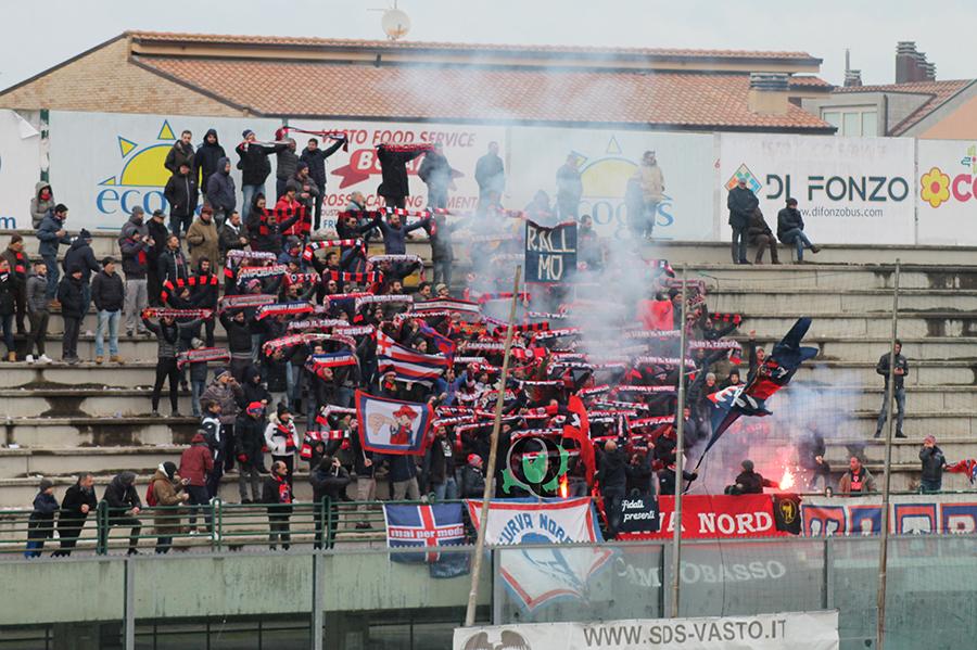 Scontri tra tifosi a Vasto, identificati ultras del Campobasso