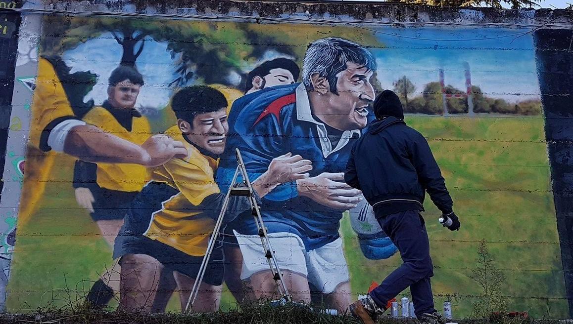 Un murales all'ex Romagnoli in ricordo di Mariano Credico, la città non dimentica il 'gigante buono'