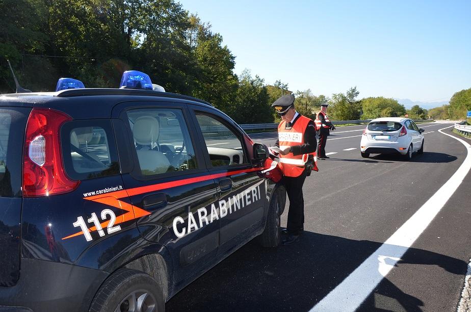 Controlli dei Carabinieri sulle strade di collegamento tra Molise e Puglia