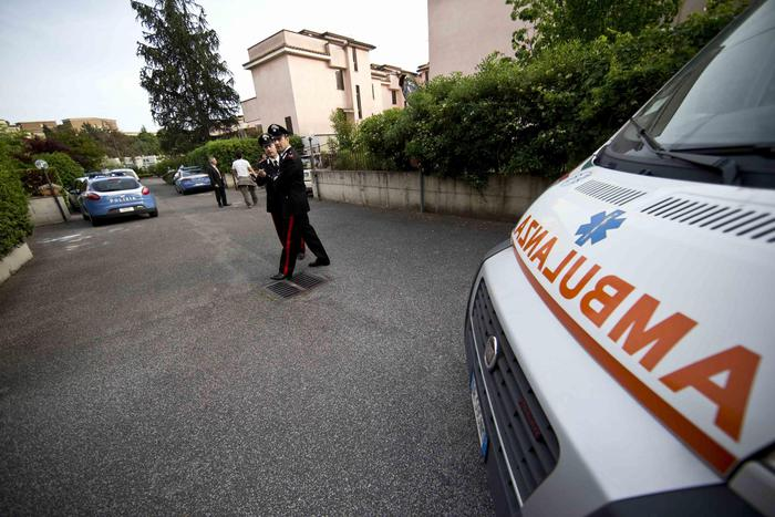 Milano, bimba di 10 abusata in ambulanza: arrestato volontario