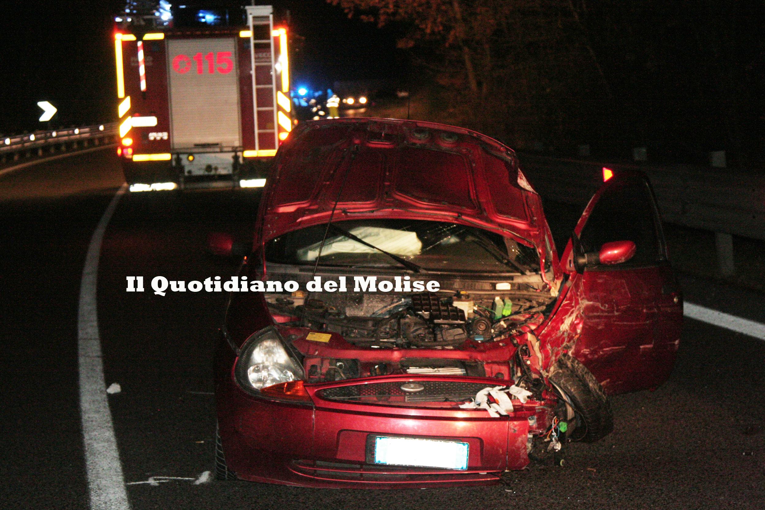 Colle d'Anchise, frontale tra due auto, un ferito