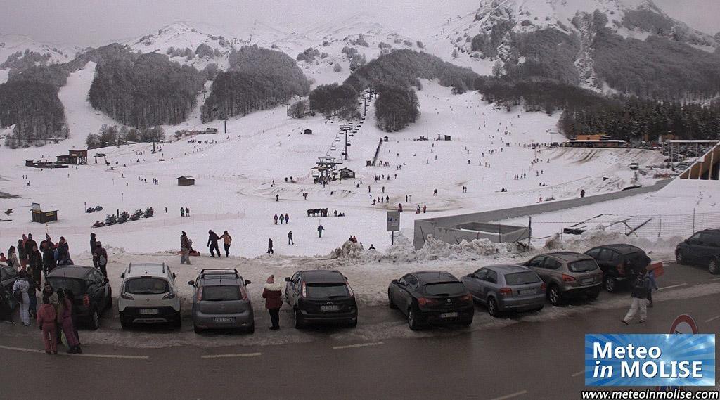 Boom di presenze a Campitello Matese, impianti aperti e tanti sciatori in pista