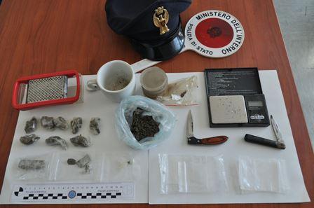 Detenzione e spaccio di droga, 27enne colto in flagrante e arrestato