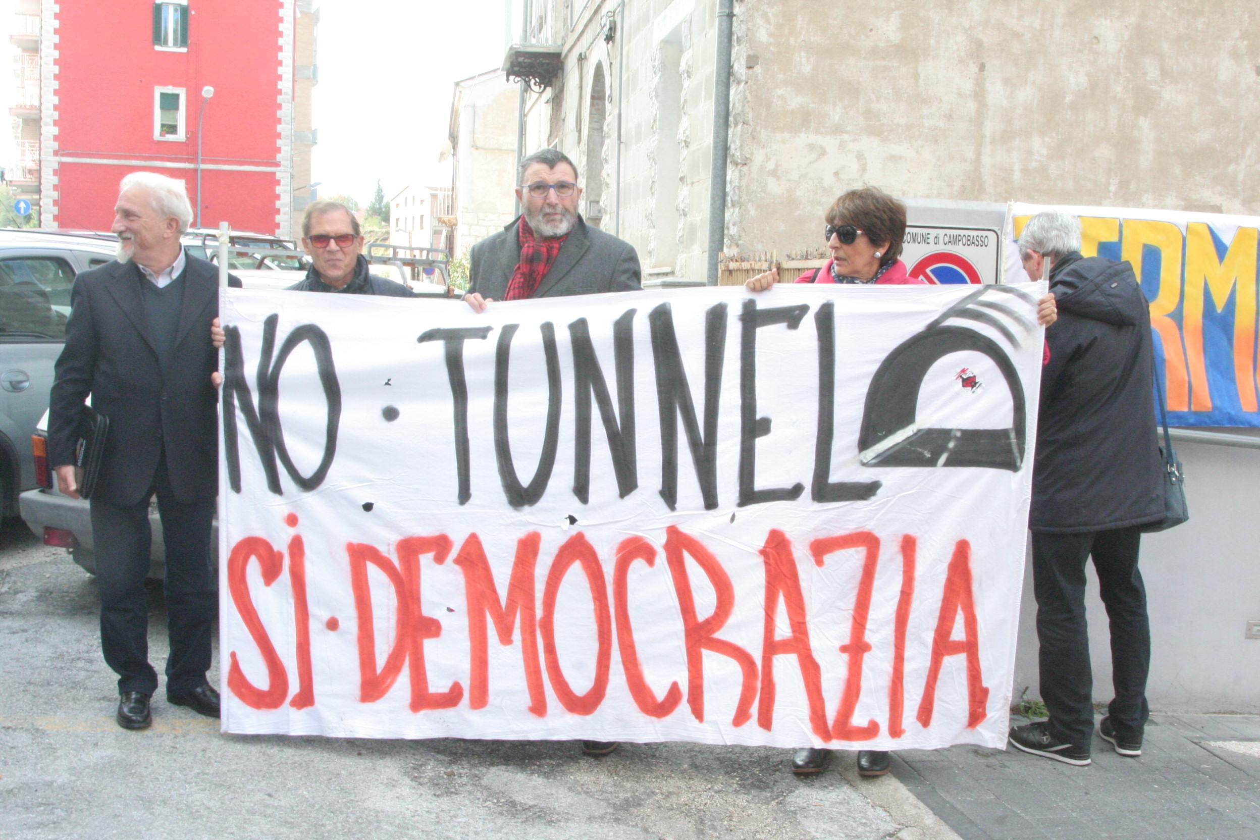 """Il Comitato 'No Tunnel': """"Stanno svendendo la città"""". Lunedì nuova assemblea pubblica"""