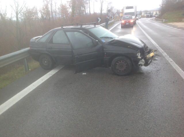 Scontro tra due auto sulla SS 87, un ferito