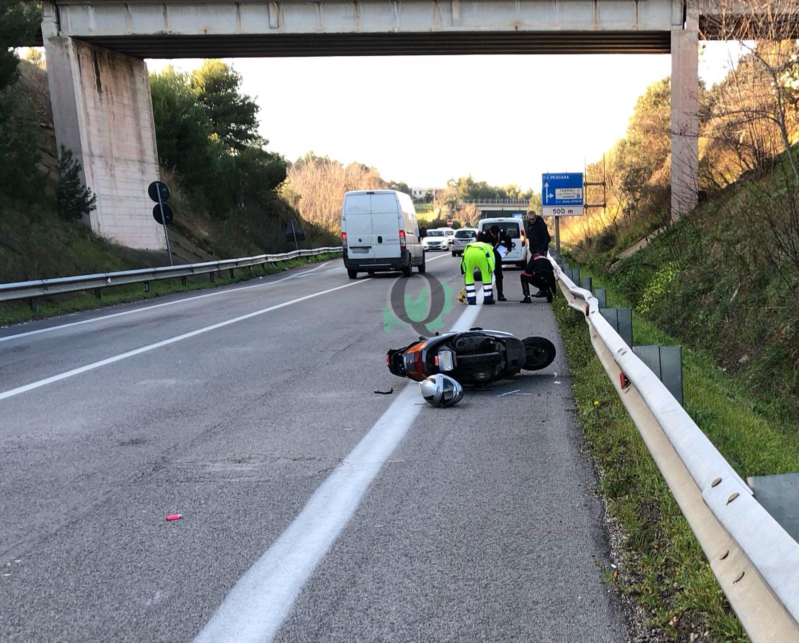 Furgone contro scooter lungo la tangenziale sud di Termoli, paura per il centauro