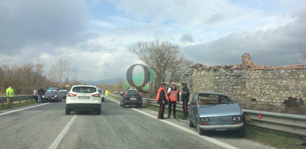 Auto contro camion al bivio di San Polo, anziana finisce in ospedale