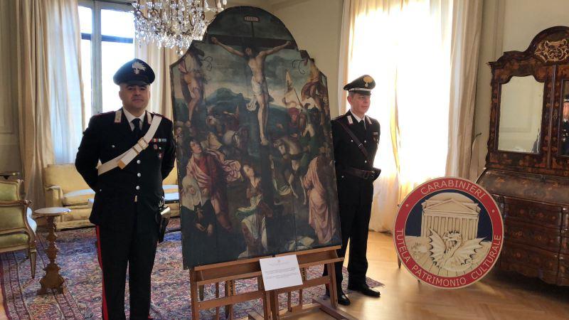 I Carabinieri restituiscono al Belgio un dipinto del '500