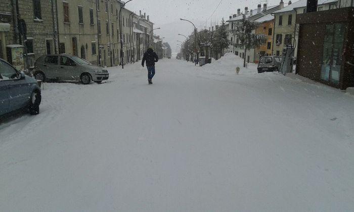 Capracotta, mezzo metro di neve non fa paura: domani scuole aperte