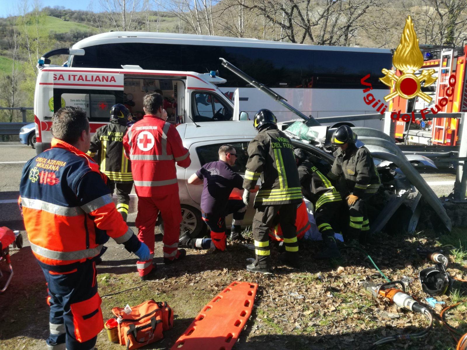 Incidente SS 647, tre feriti gravi tra cui una bimba di 7 anni (AGGIORNAMENTO E FOTO)