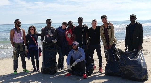 """Spiaggia di Petacciato ribattezzata """"la più pulita d'Italia"""", successo per l'iniziativa di Ambiente Basso Molise"""