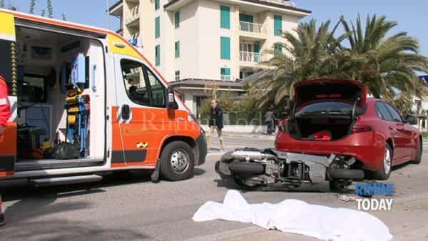 Moto contro auto dopo una frenata di 30 metri, muore 36enne molisano a Misano adriatico