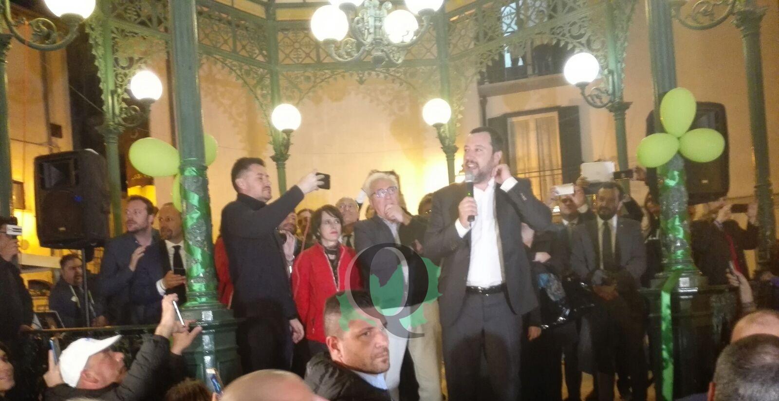 """Pienone per Salvini a Isernia: """"Governo? Se serve scendo in campo direttamente"""""""