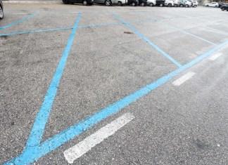 Parcheggi a pagamento scoppia la polemica, anche i disabili pagano