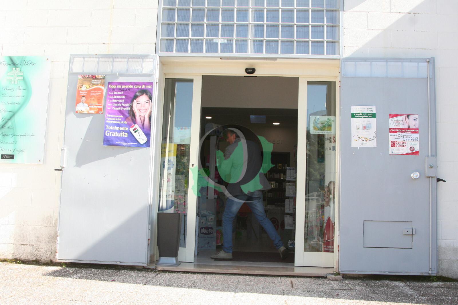 Rapina in farmacia, arrestato l'autore
