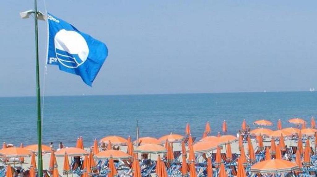 Termoli saluta la bandiera blu