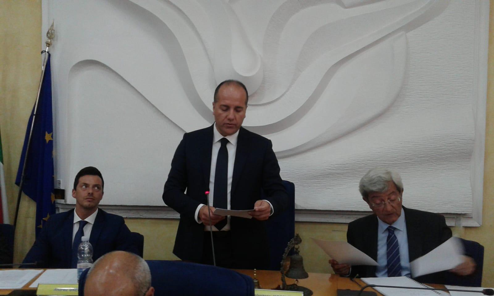 Salvatore Micone nuovo Presidente del Consiglio regionale (DIRETTA)