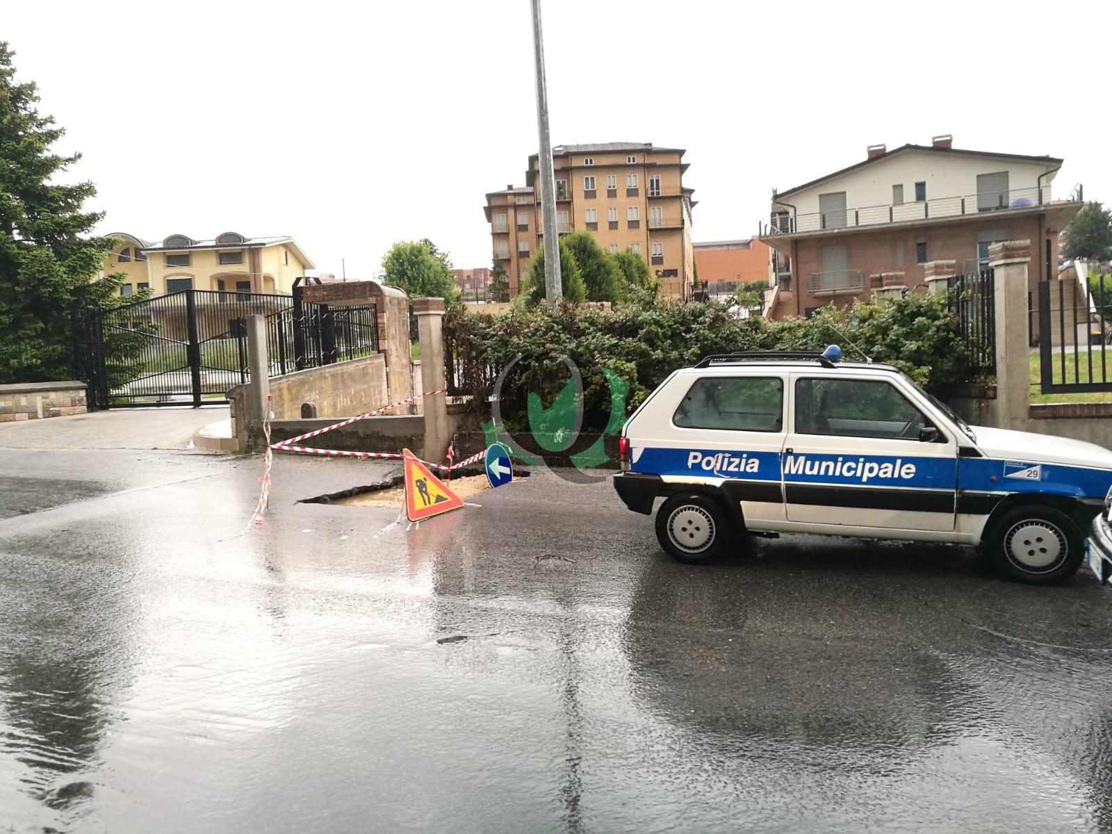 Maltempo, ancora forti disagi in via San Antonio dei Lazzari