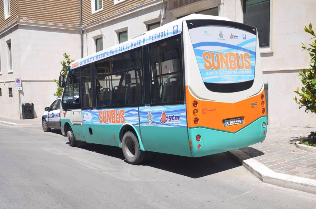 In spiaggia senza auto, torna il servizio SunBus