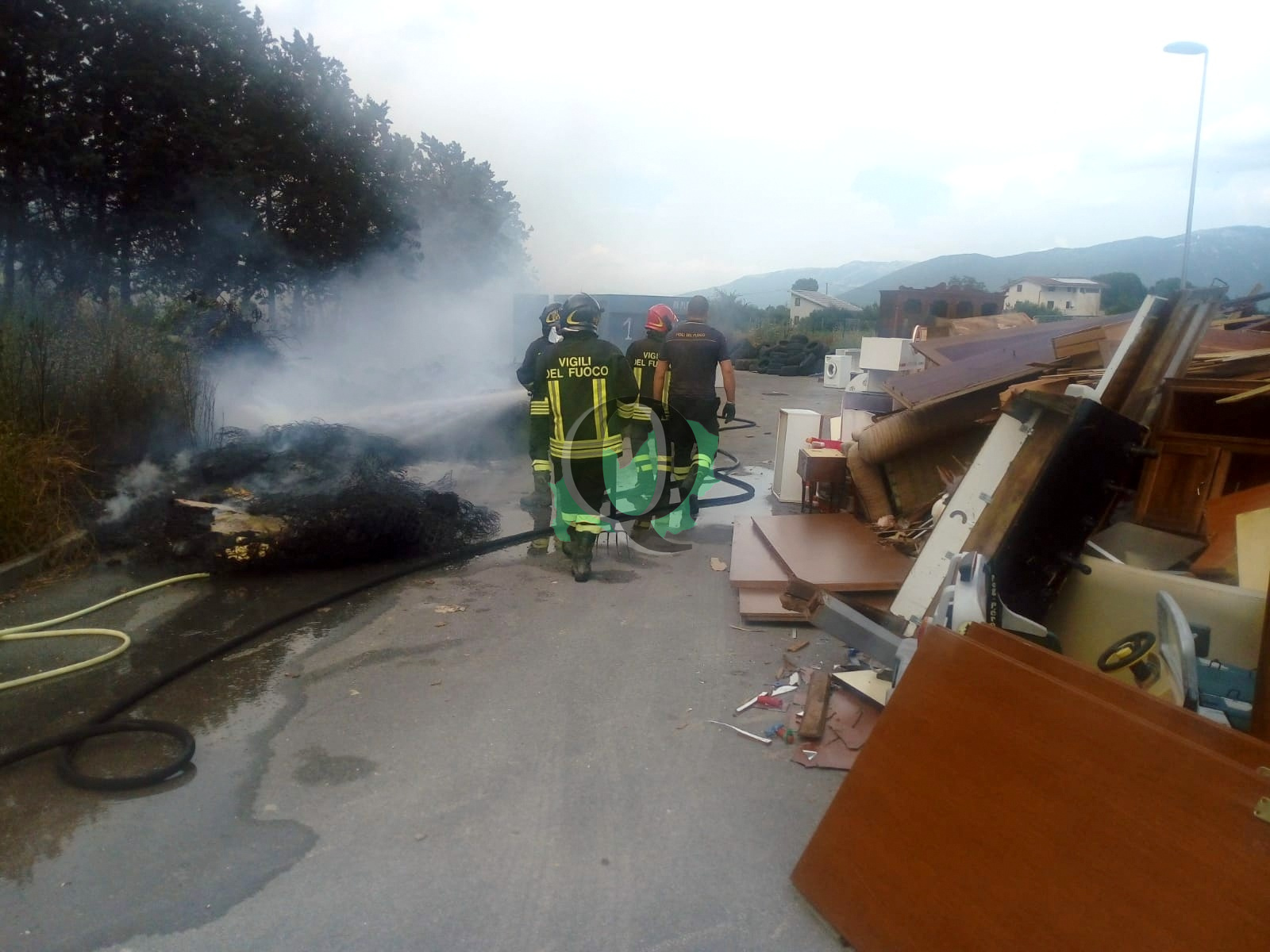 Incendio a Venafro, in fiamme un'isola ecologica