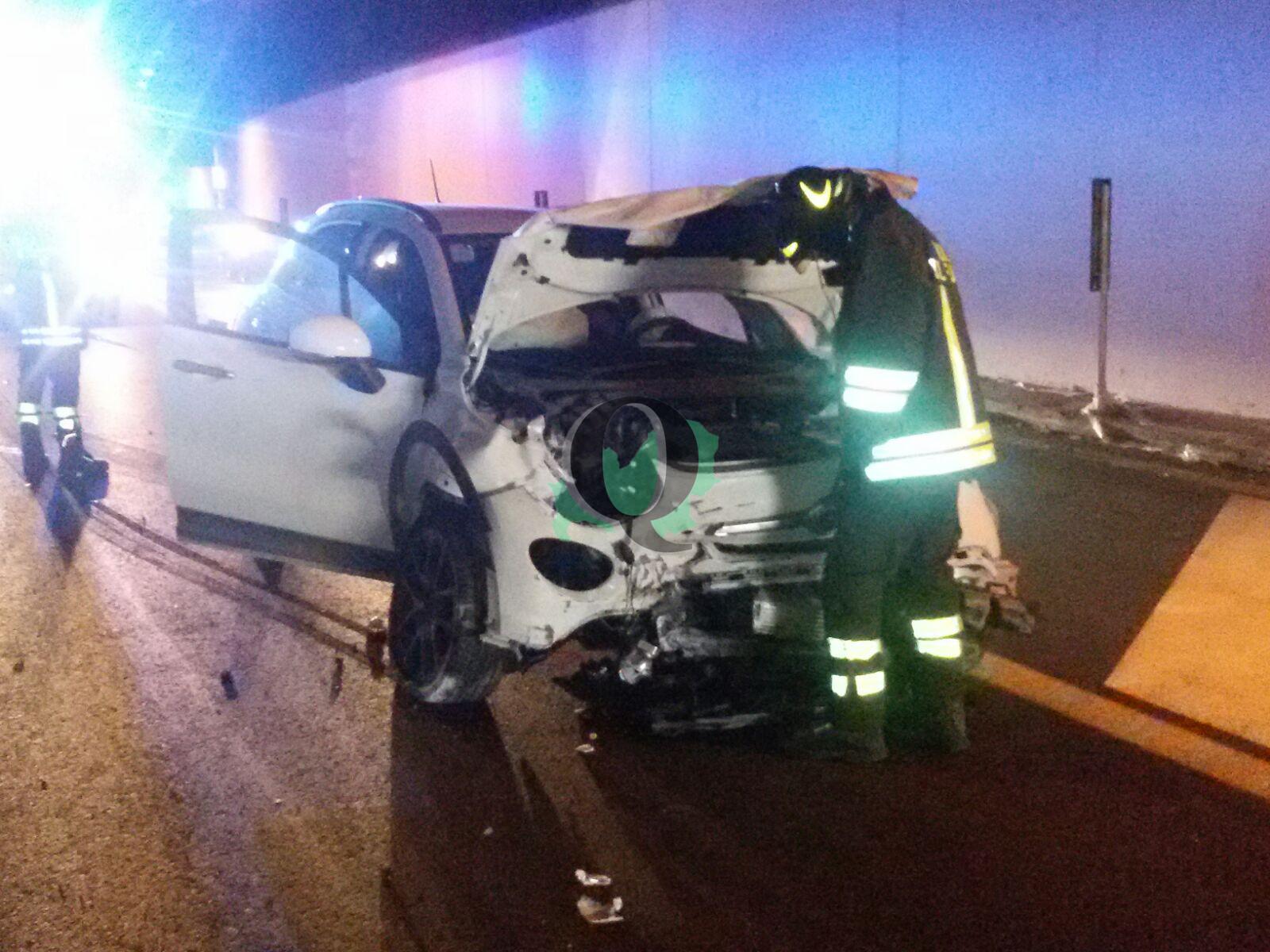 Scontro tra auto in galleria lungo la tangenziale di Termoli, ferita una donna