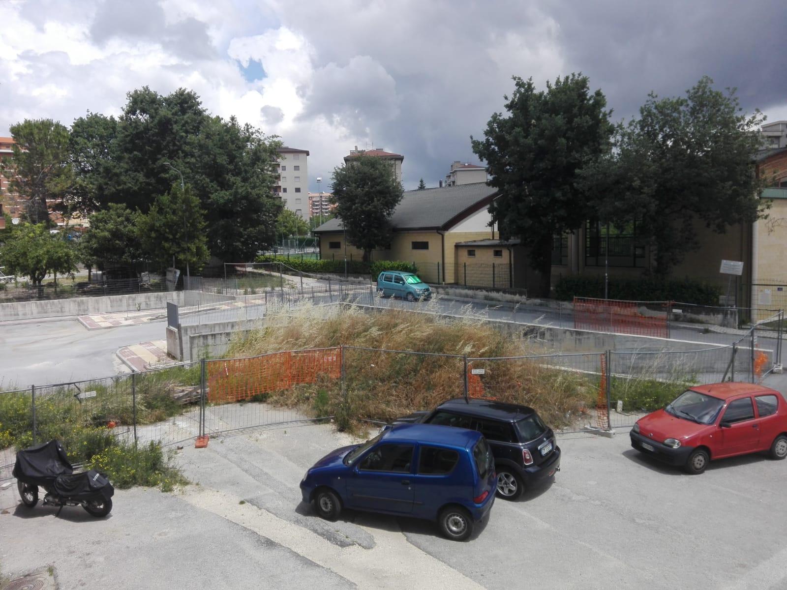 Degrado in via Romagna, lavori fermi da un anno (LA SEGNALAZIONE)