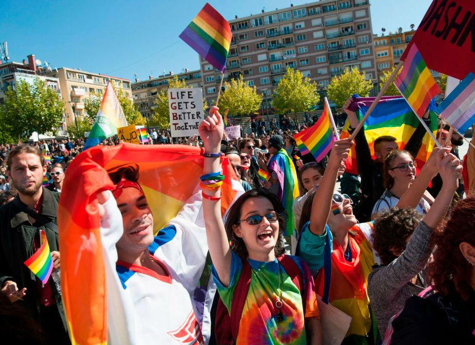 'Gay Pride', la Commissione Cultura dice sì al patrocinio