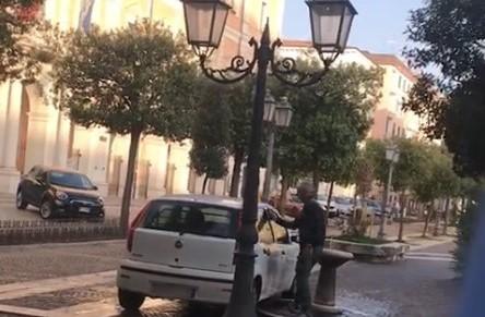 Lavò auto alla fontanella, avviato procedimento disciplinare per dipendente Sea