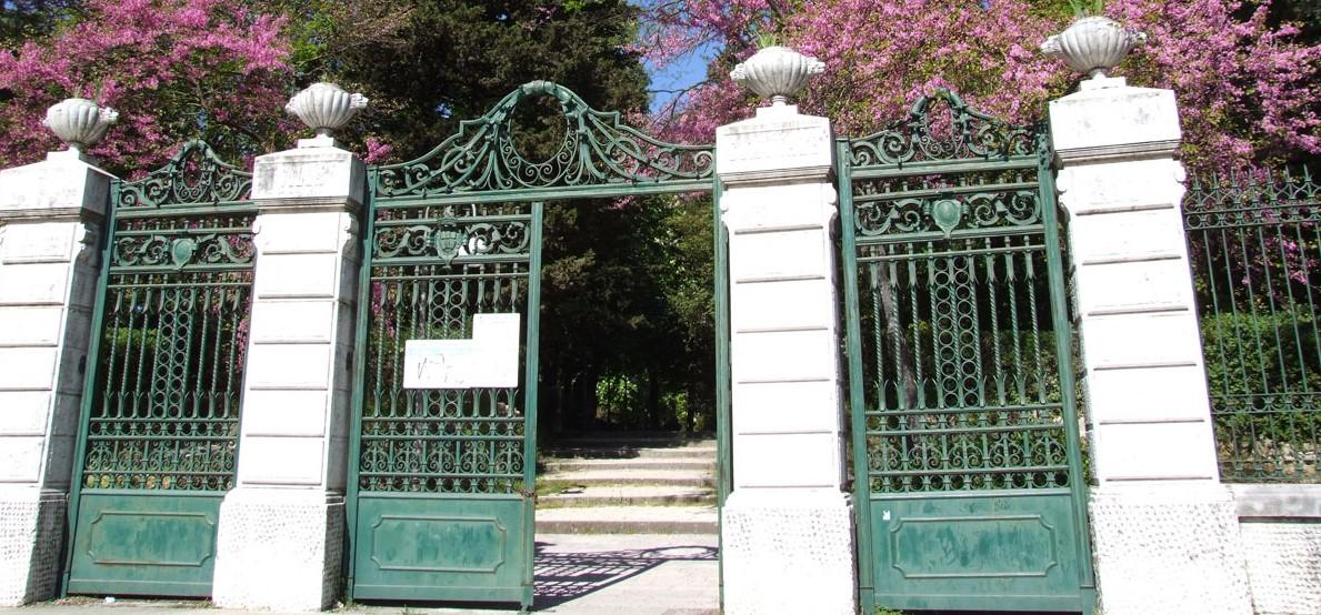 """""""Villa de Capoa finalmente aperta di domenica, ma il contorno è desolante"""" (LA SEGNALAZIONE)"""