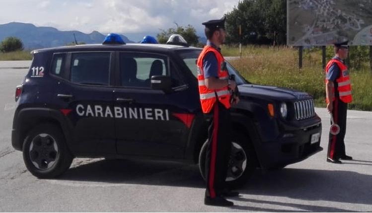 Senza assicurazione contesta il sequestro dell'auto insultando i Carabinieri, denunciato