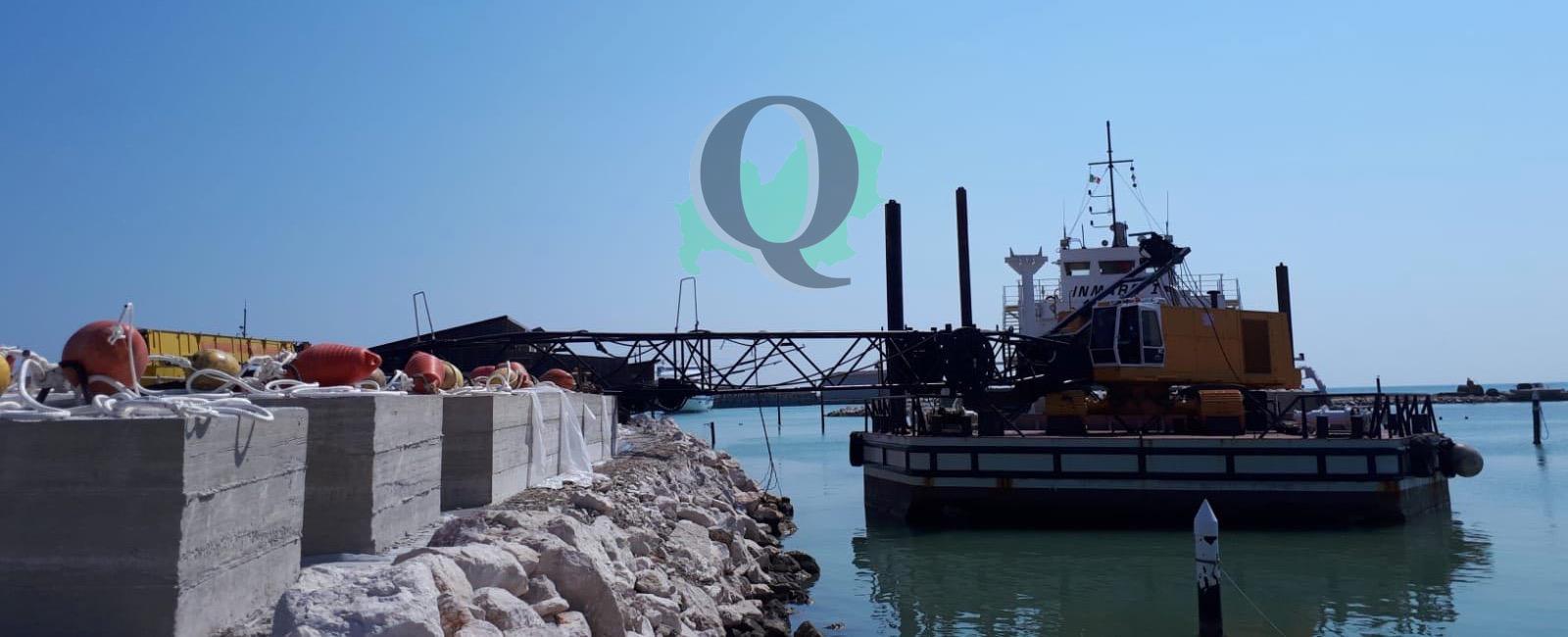Crolla gru al porto, solo tanto spavento e nessun ferito (FOTO)