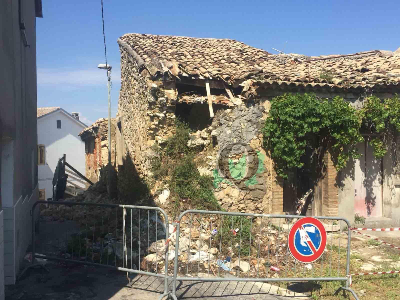 Montecilfone, diverse case lesionate. Sgomberate due abitazioni (FOTO)
