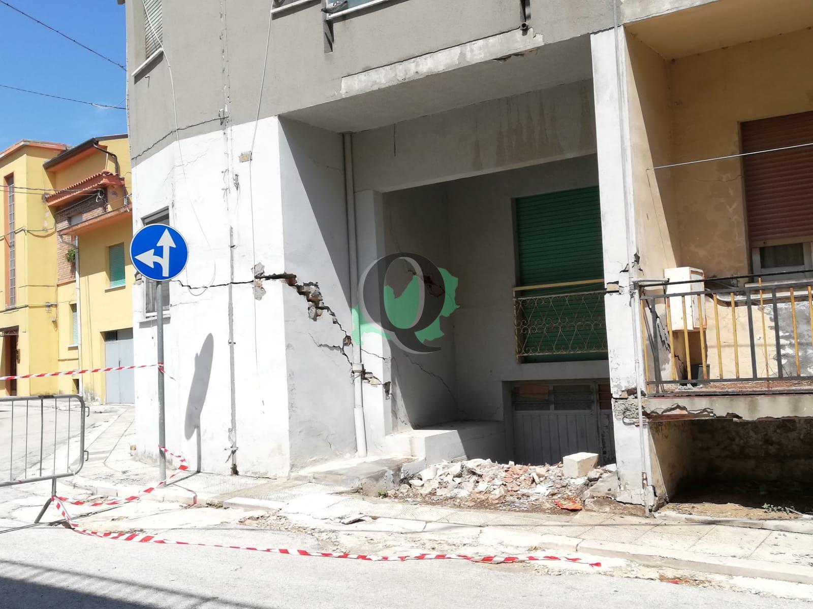 Sisma, crolli a Guglionesi: allestita tendopoli. Intervista al sindaco Mario Bellotti