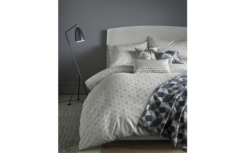 Concentric Silver bed linen -one double duvet and 2 housewife pillowcases worth £145.