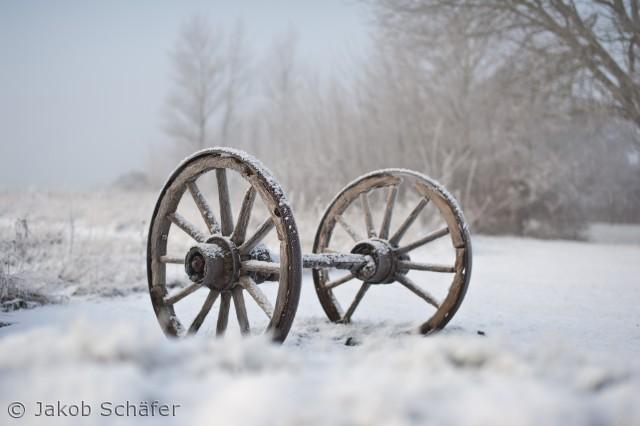 vognhjul en vinter dag nær væmmenæs havn