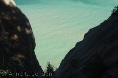Kalken under vandet giver det helt specielle grønne skær.