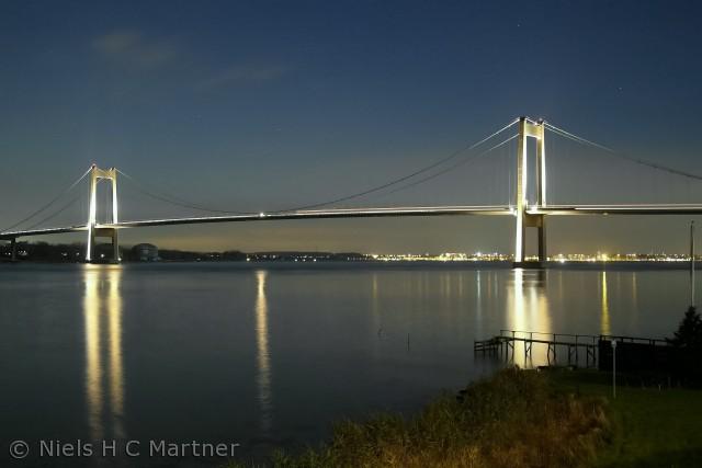 Den nye Lillebæltsbro fotograferet en aften i 2011