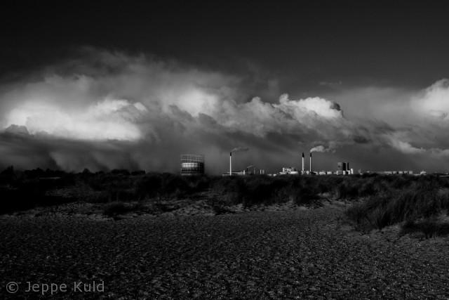 Et uvejr er på vej ind over byen ved amagerstrandpark.