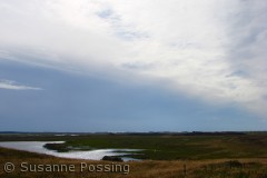 Så samler det sig over søen syd for Blegesø -