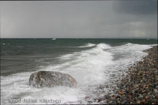 Den stenede kyst nord for Sletterhage Fyr er for mig at se noget ganske særligt, og de være på alle årstider.