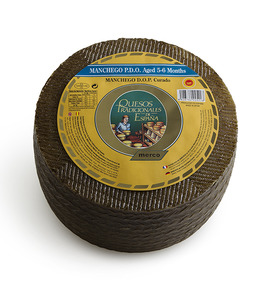 Manchego PDO cheese aged 5-6 months