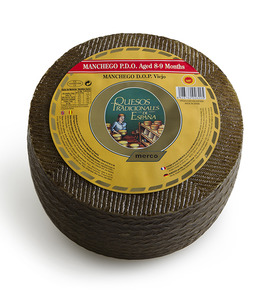 Manchego PDO Cheese aged 8-9 months