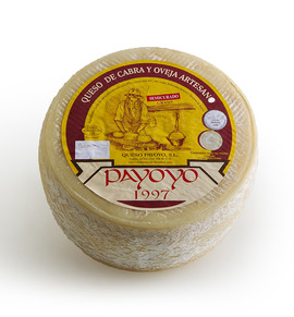 Semicured payoyo cheese (blend)