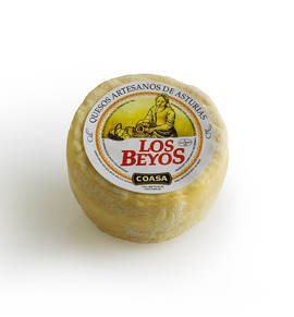 Los Beyos vaca cheese